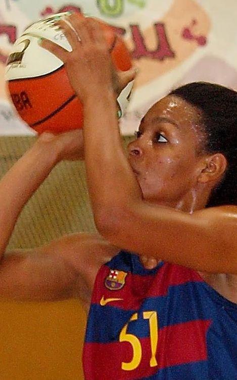 Derrota del primer equip femení en el duel de líders invictes