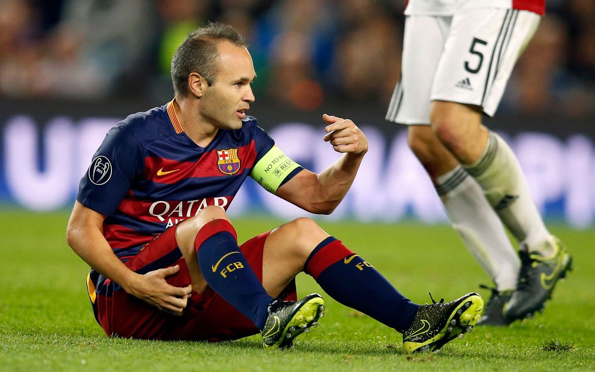 Iniesta has a hamstring injury in his right leg