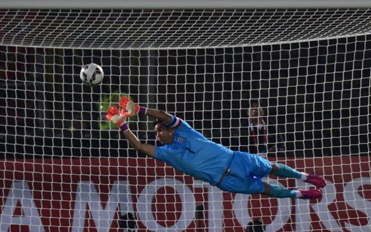 Chile begin Copa América with 2-0 win over Ecuador