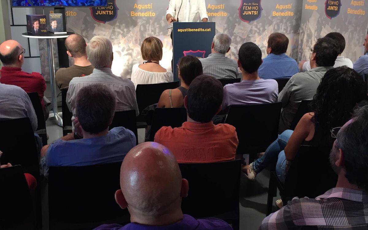 Agustí Benedito realitza una trobada amb el seu equip de campanya