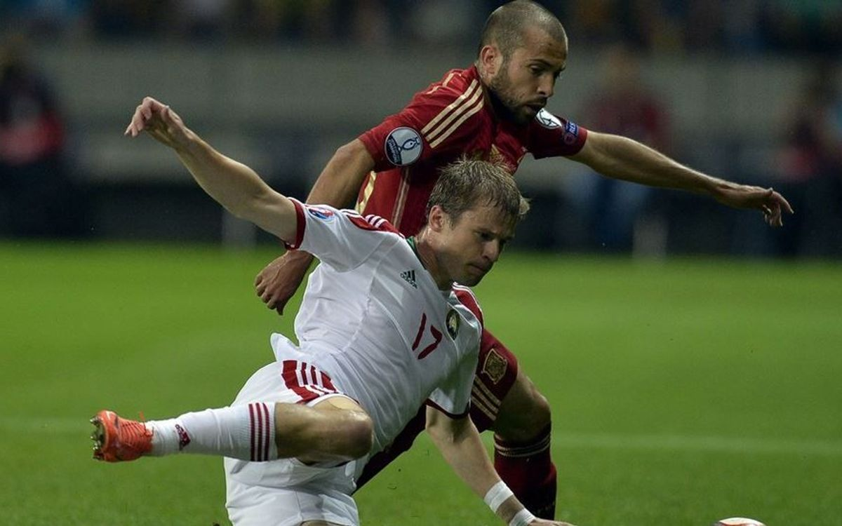 Spain, with four Barça players, beat Belarus 1–0