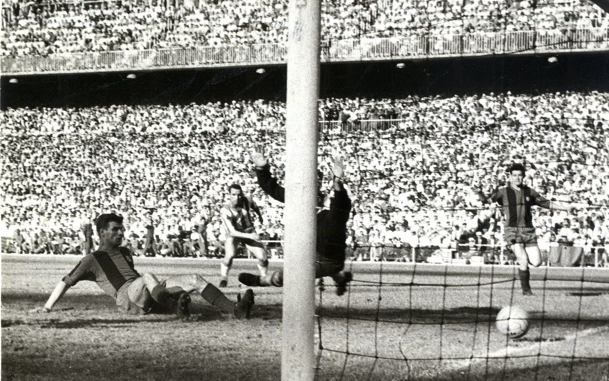 Kocsis scores one of two goals in the Spanish Cup Final / ALFREDO ANGUITA