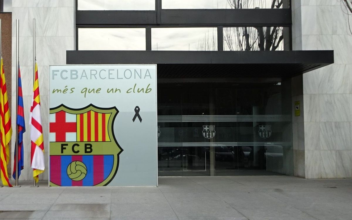FC Barcelona observes official three day mourning period for plane accident victims