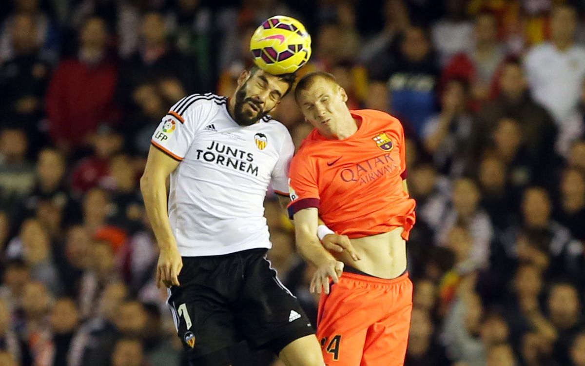 On fire Valencia due at the Camp Nou