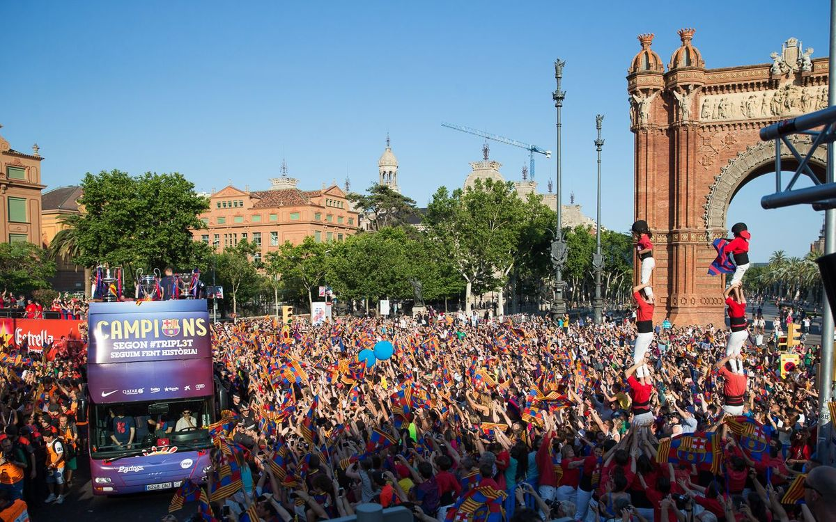 Barcelona streets filled with fans