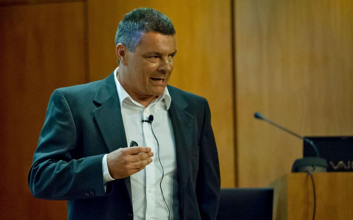 Conferència de luxe de Xavi Pascual al Col·legi de Metges de Barcelona