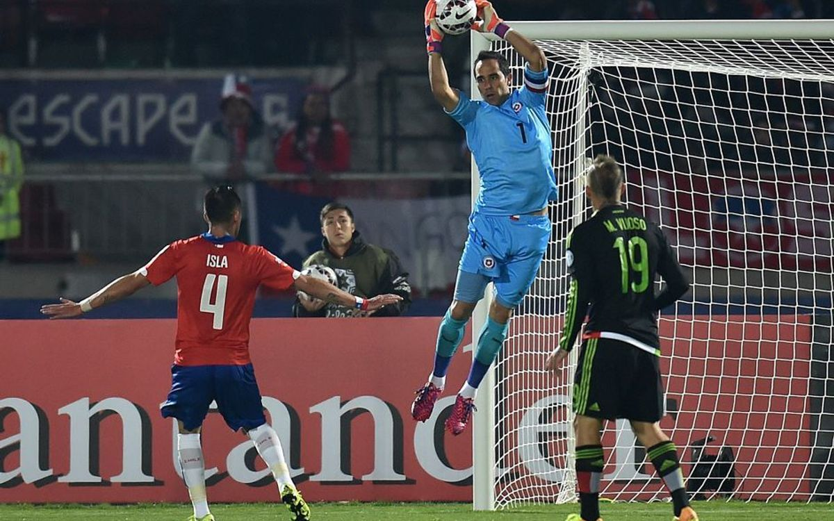 Claudio Bravo and Chile held by Mexico in six goal thriller (3-3)