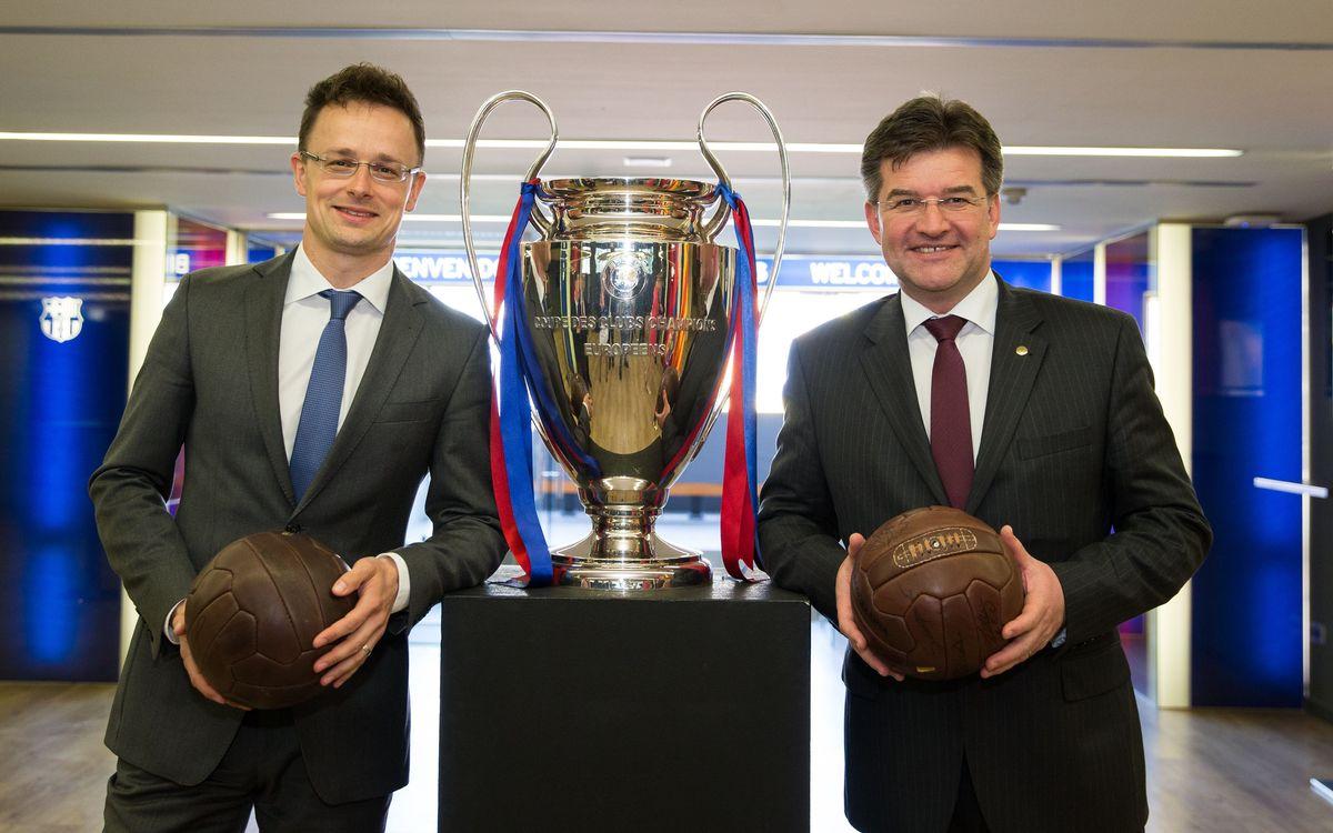 Visita de los ministros de Asuntos Exteriores de Eslovaquia y Hungría en las instalaciones del FC Barcelona