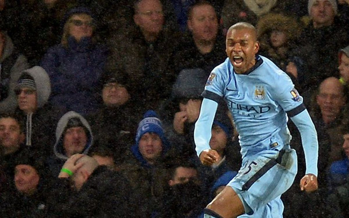 Manchester City draw 1-1 at Everton, fall out of first