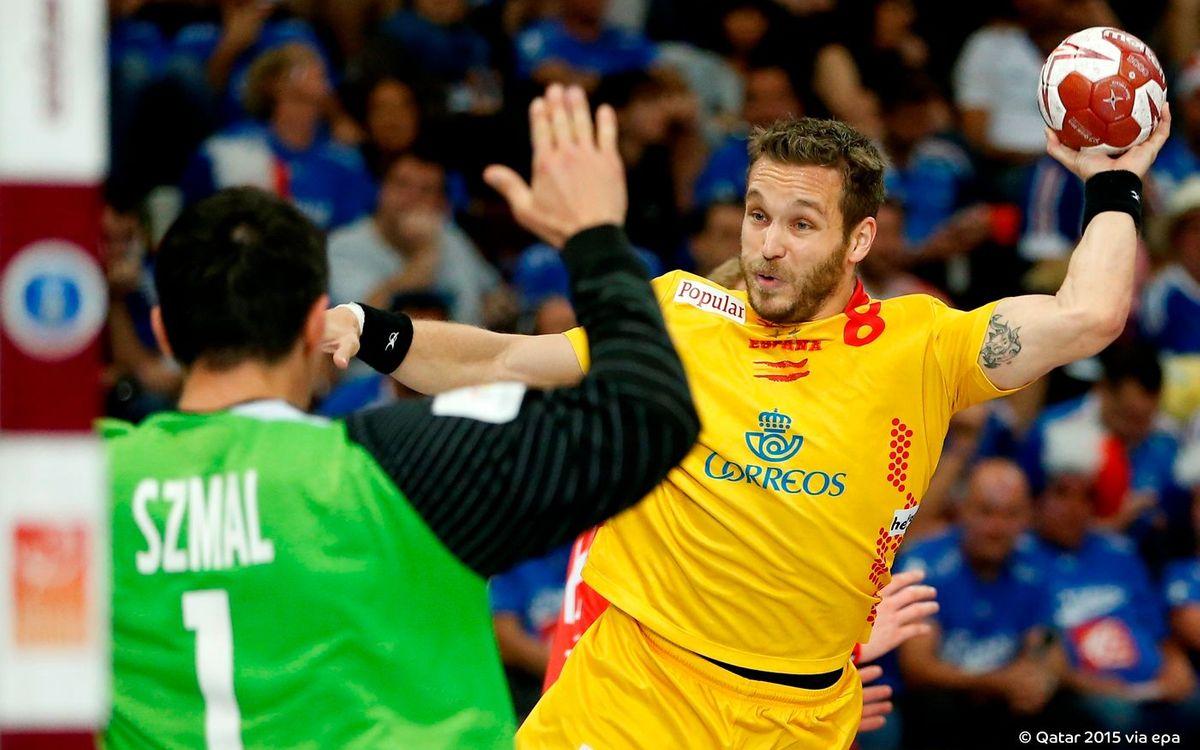 Espanya, amb quatre blaugranes, cau davant Polònia (28-29)