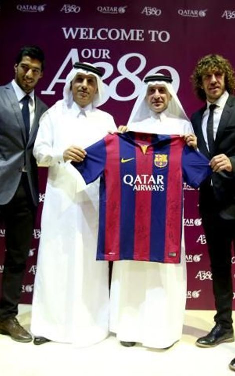 FC Barcelona delegation at unveiling of new Qatar Airways plane