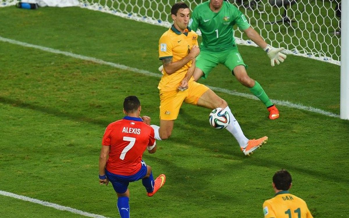 Alexis leads Chile to victory over Australia (3-1)