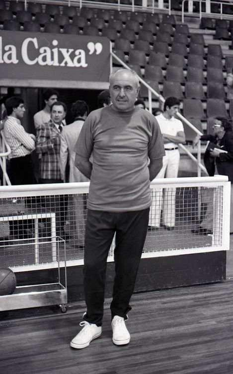 Mor Eduard Kucharski, ex jugador i entrenador blaugrana
