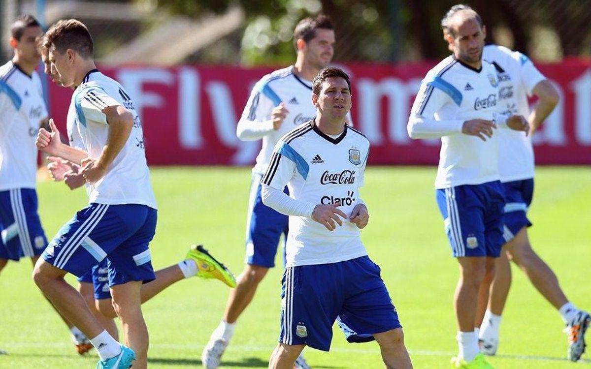 メッシとマスチェラーノ、アルゼンチンにカウントダウン