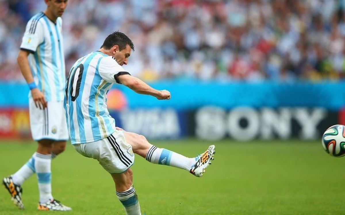 Messi and Mascherano, group winners with Argentina (2-3)