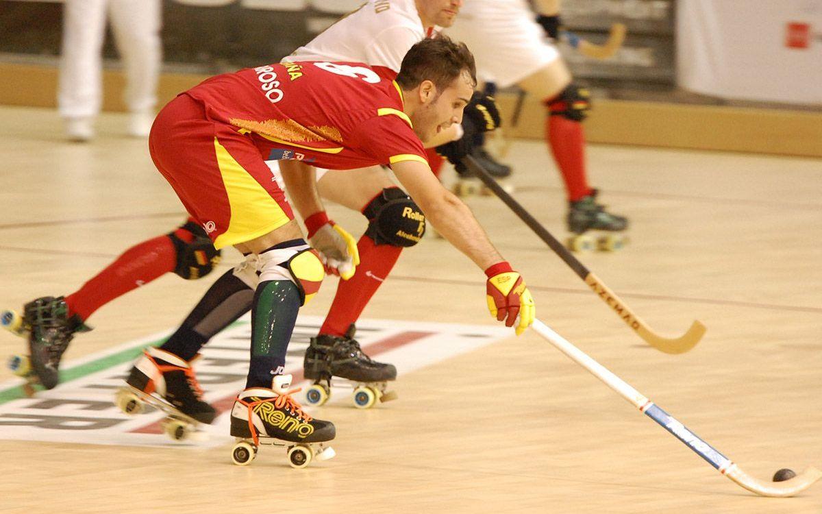 La selección española de hockey patines, con Gual y Barroso, se estrena con goleada