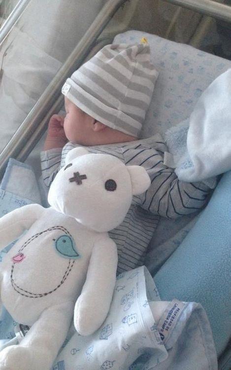 Neix Dylan, el primer fill de Montoya
