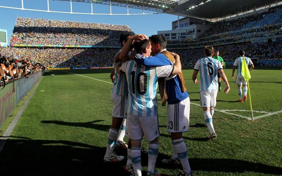 Triomf agònic de l'Argentina cap als quarts (1-0)