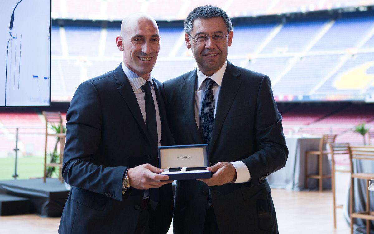 El FC Barcelona da la bienvenida a la AFE en el Camp Nou