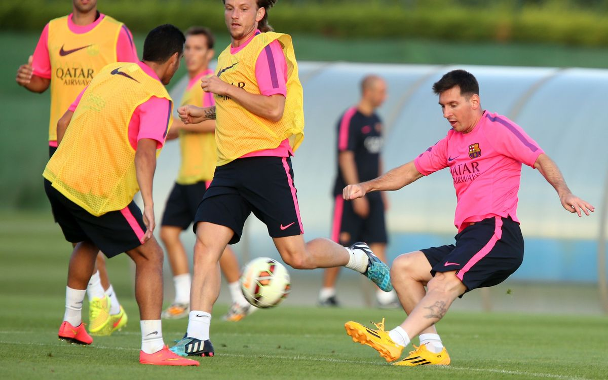 Training session with 19 first team players