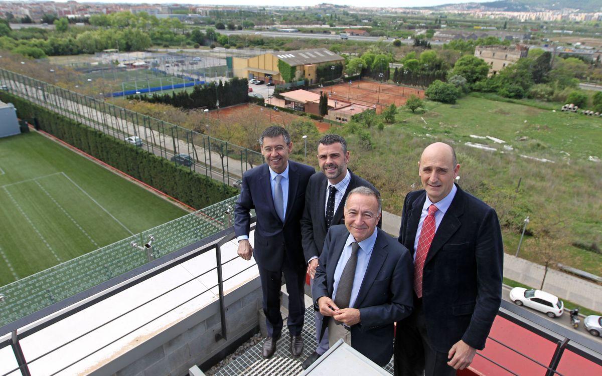 Visita a la Ciutat Esportiva amb motiu de la futura transformació urbanística de l'àmbit