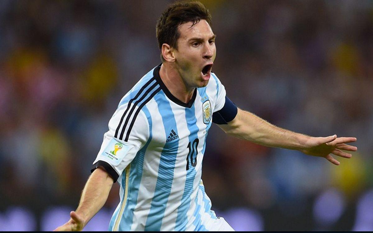 メッシ、アルゼンチンの勝利を導く(2-1)