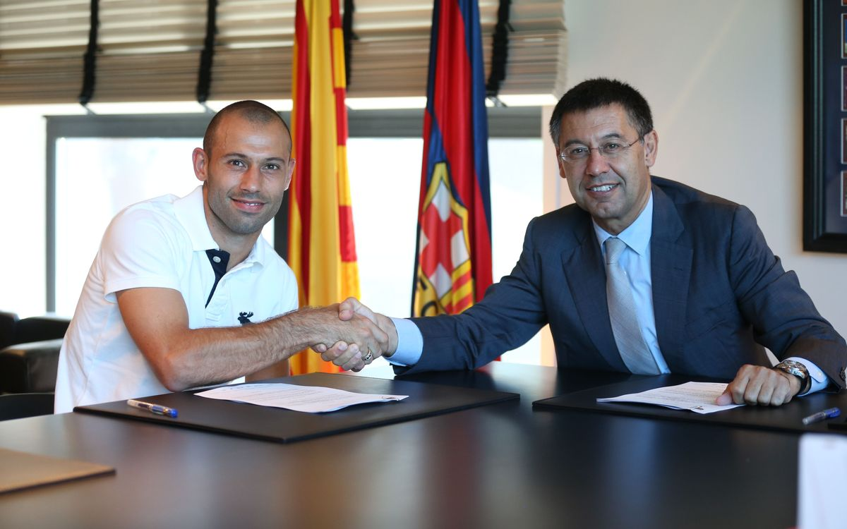 Mascherano signs new deal
