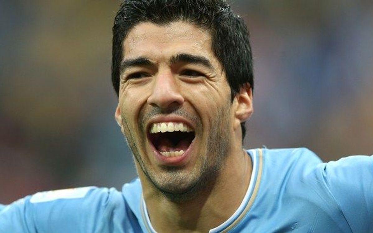 Luis Suárez gets two for Uruguay (0-3)