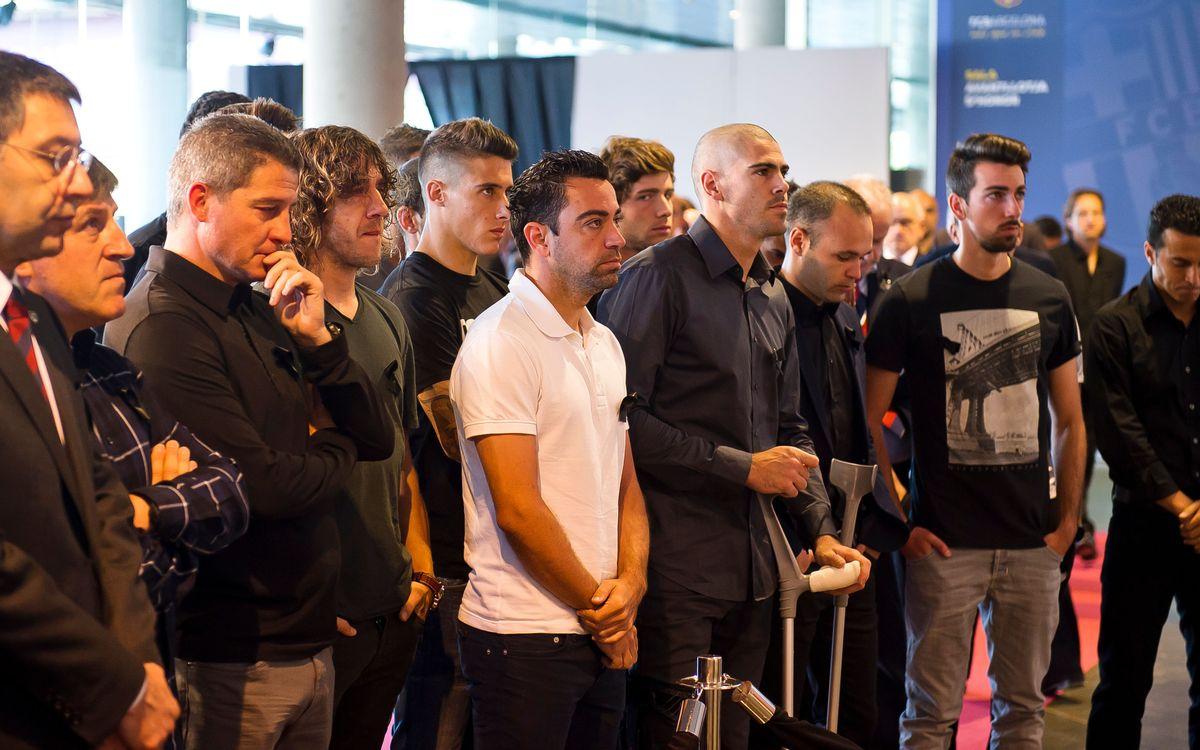 FC Barcelona first team squad pay homage to Tito Vilanova