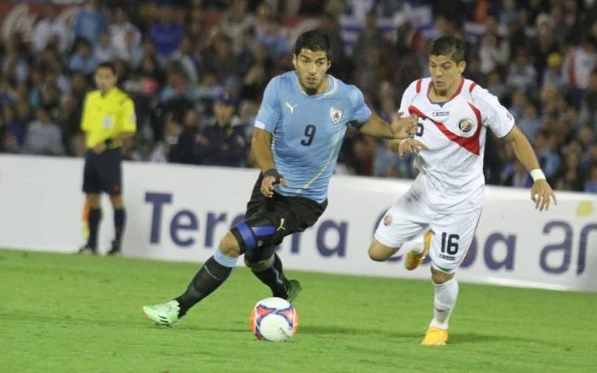 Luis Suárez scores in Uruguay's 3-3 draw