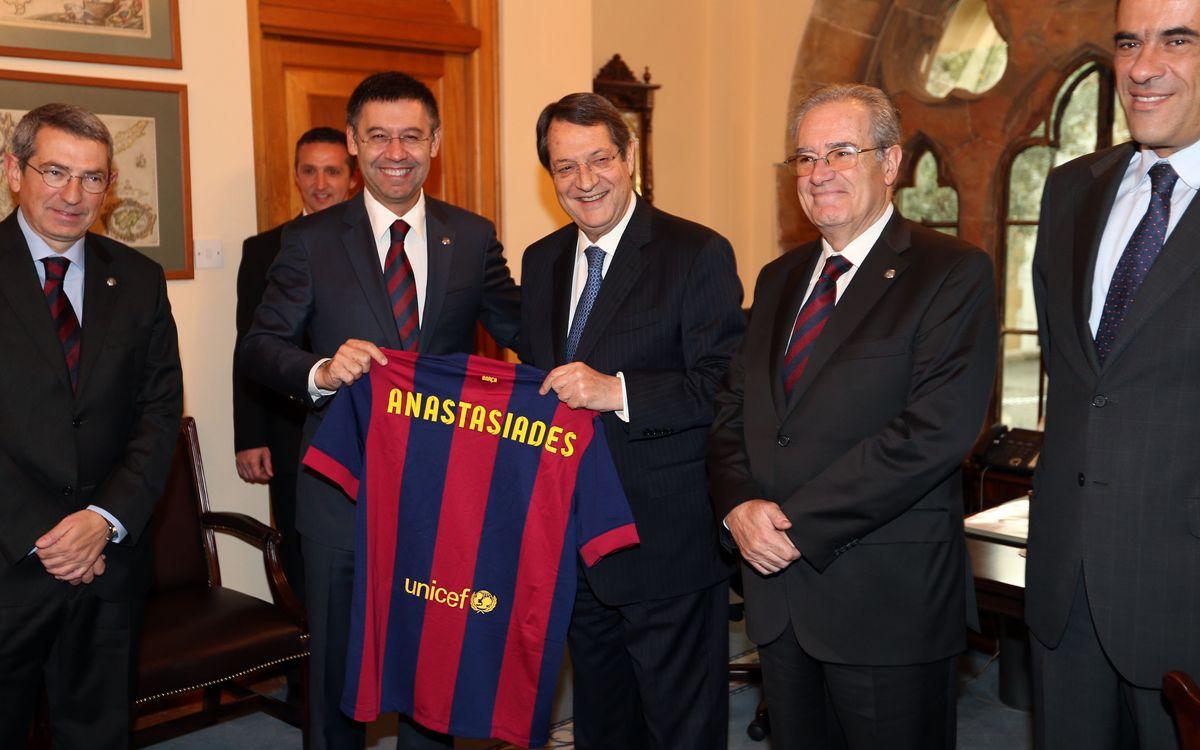 Cypriot president welcomes FC Barcelona delegation