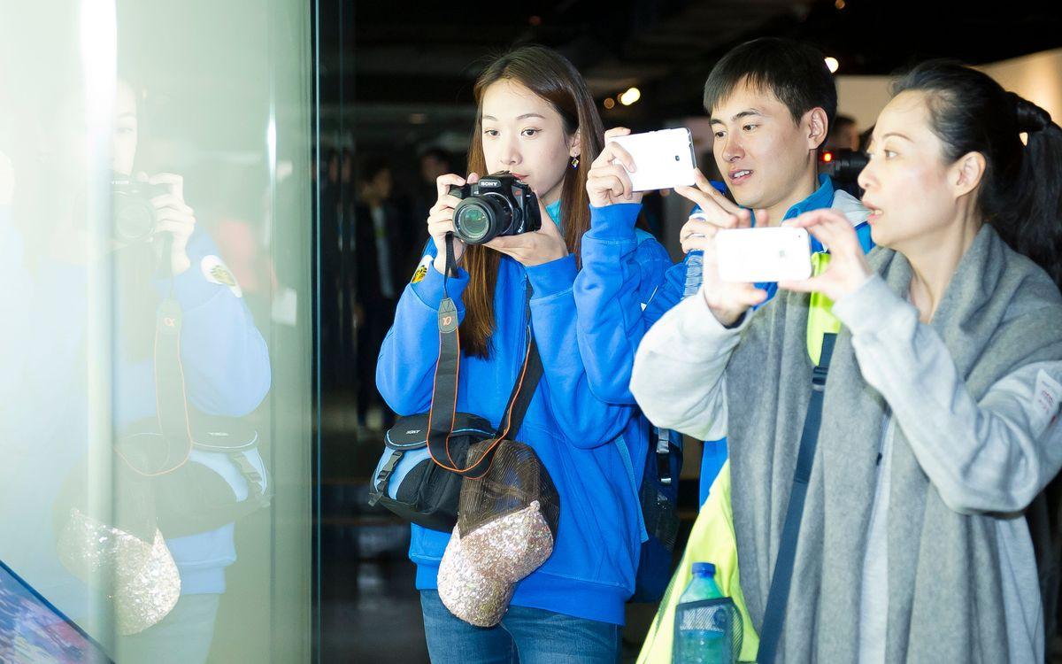 La televisió xinesa CCTV grava un concurs al Museu del FC Barcelona