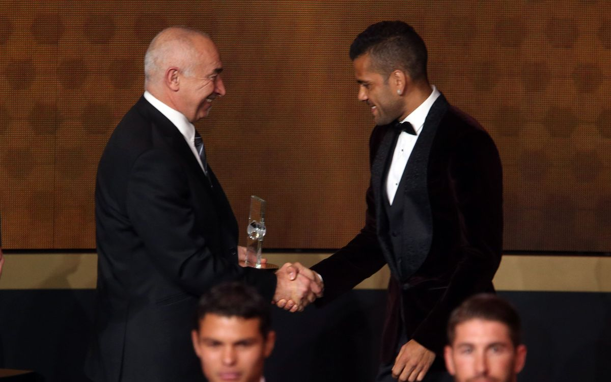 Leo Messi will win the Ballon d'Or again says Dani Alves