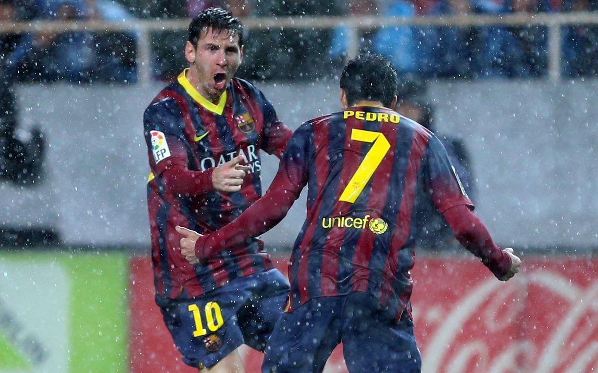 Sevilla FC - FC Barcelona: Important win in the rain(1-4)