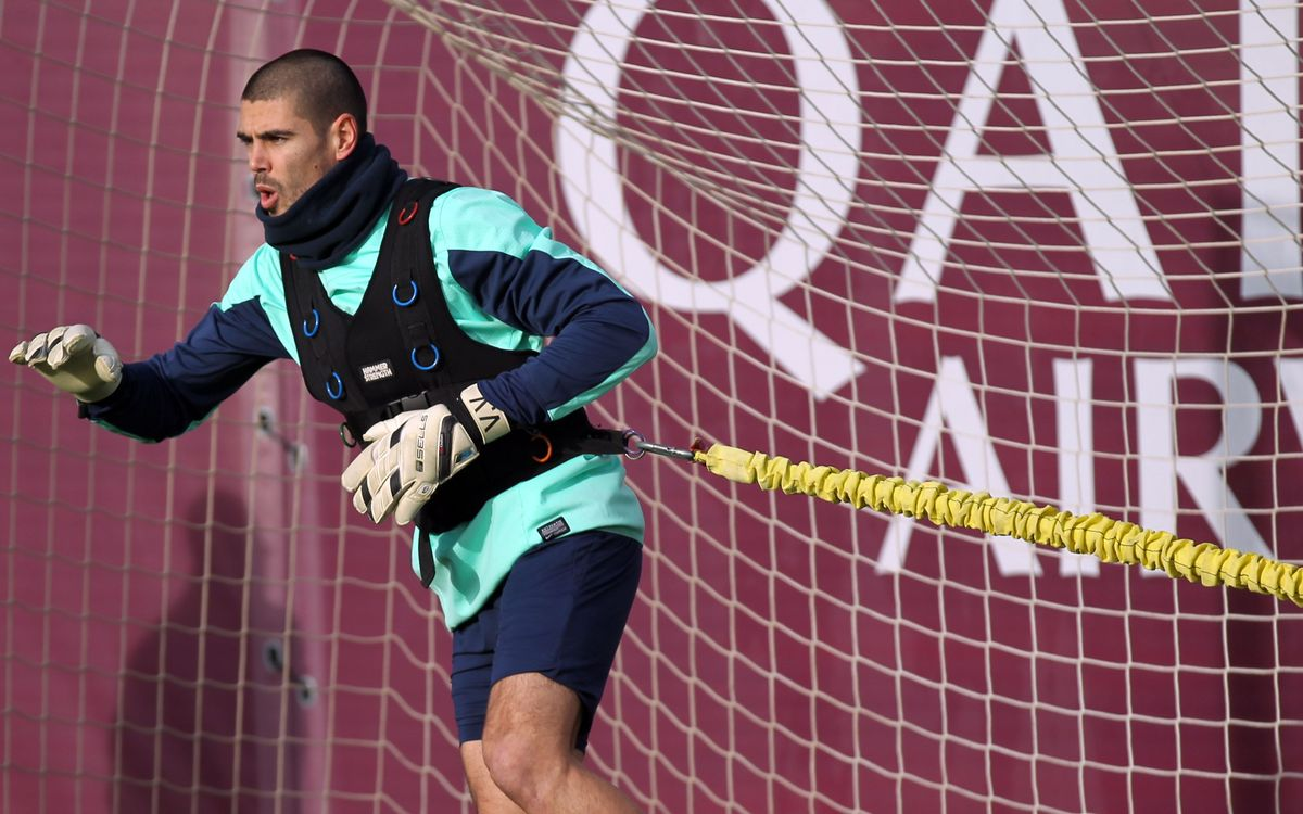Víctor Valdes gets medical all-clear