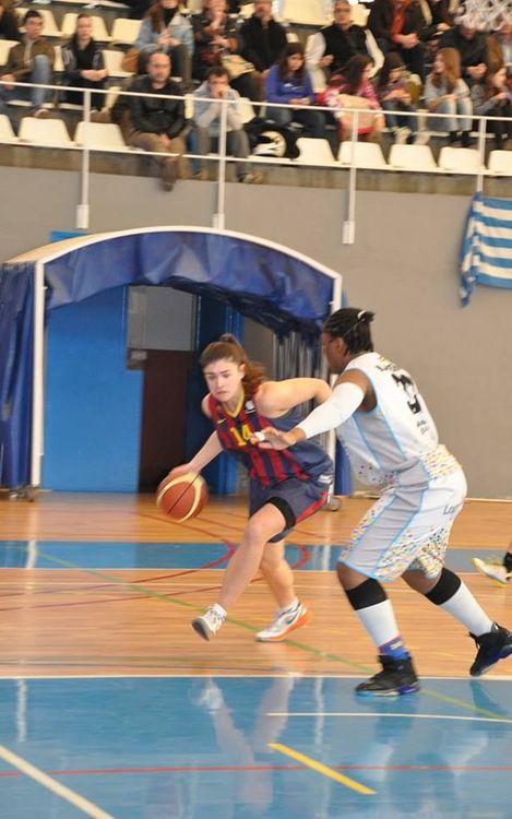 Millora sense recompensa per al bàsquet femení (70-79)