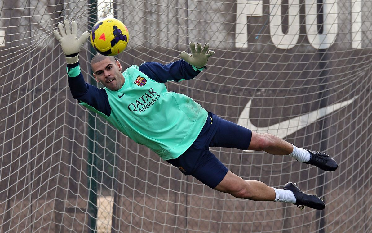 Víctor Valdés back against Elche