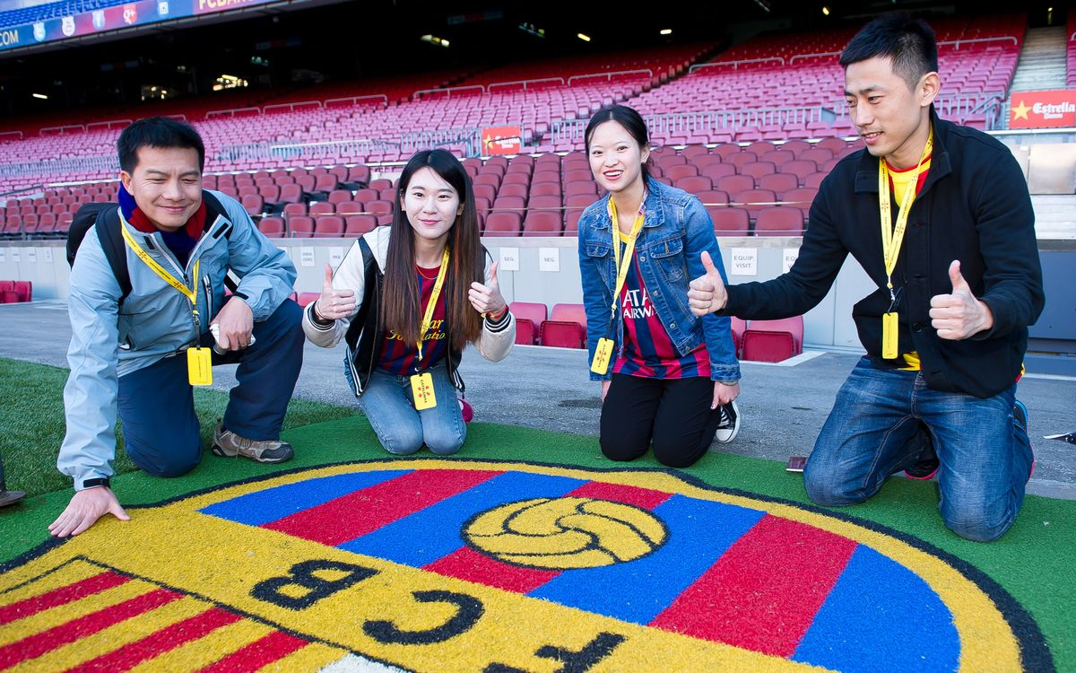 The winners of the Catalunya Turisme contest enjoy the 'Camp Nou Experience'
