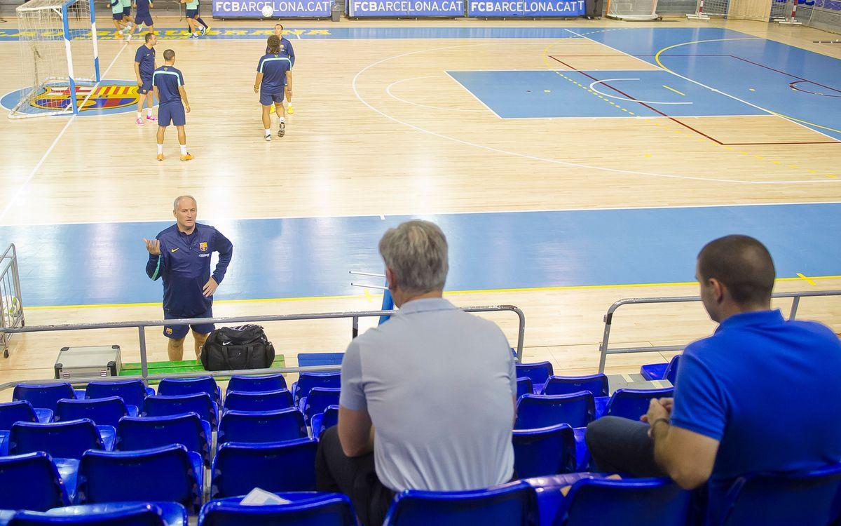 El director de l'Acadèmia de Futbol de l'Everton visita el Barça Alusport