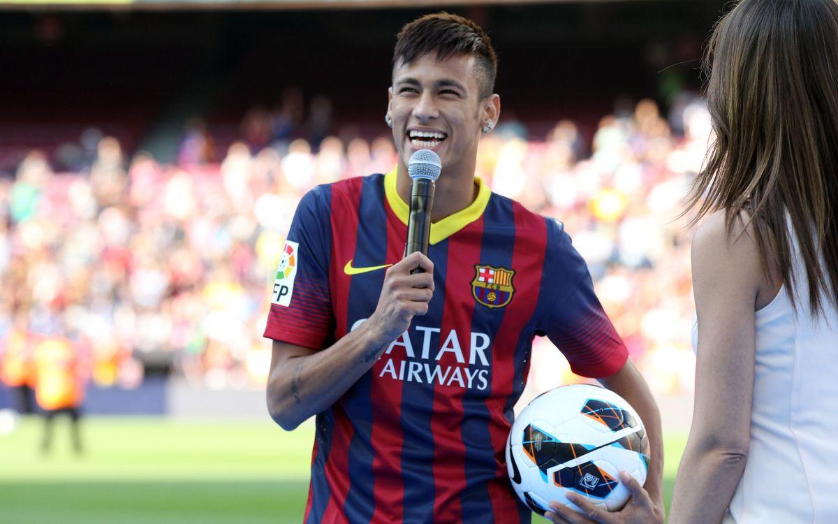 """Neymar, ému: """"Être ici, c'est un rêve d'enfant et d'adulte"""""""
