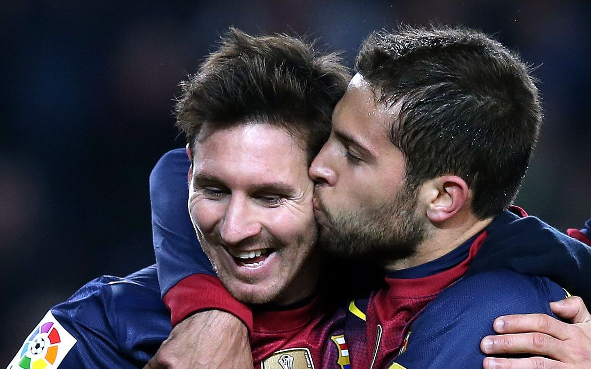 Leo Messi and Jordi Alba in l'Equipe XI