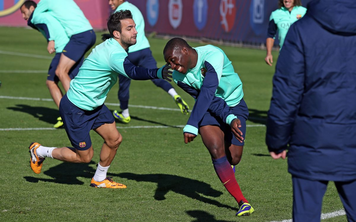 Cesc Fàbregas and Gerard Piqué declared fit to play; Xavi and Tello both out against Granada