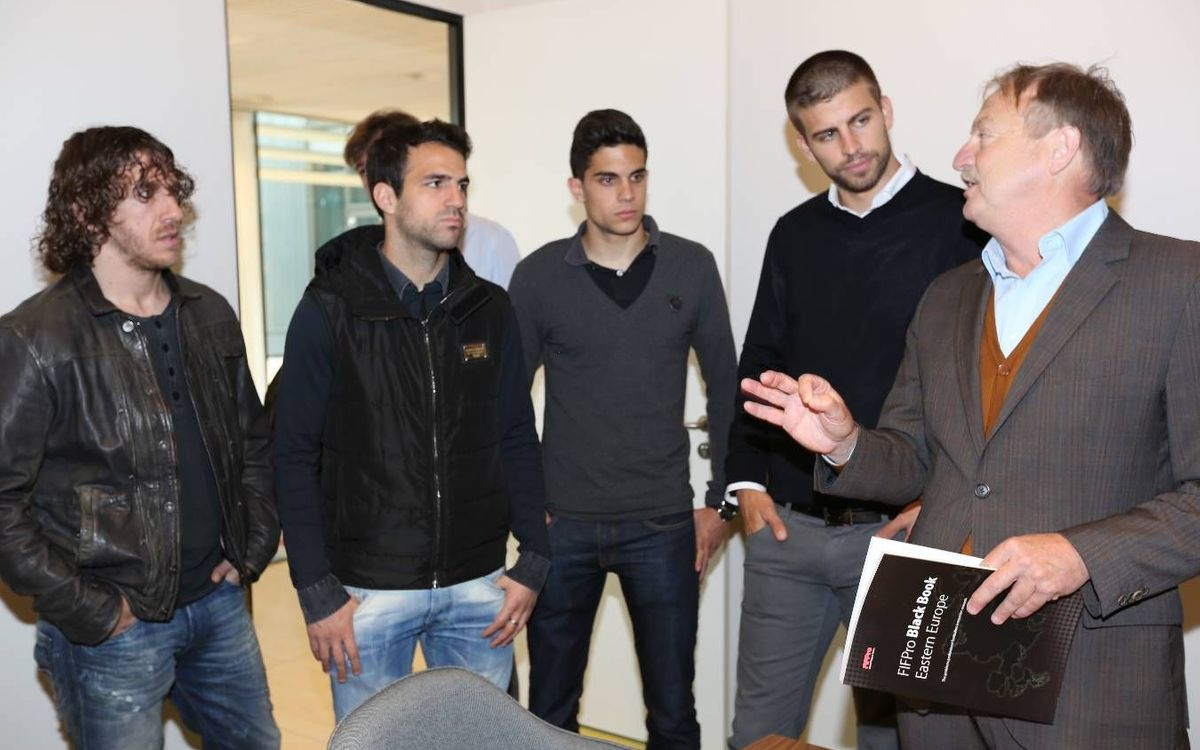 Puyol, Piqué, Cesc, Xavi and Bartra visit FIFPro's new headquarters in the Netherlands