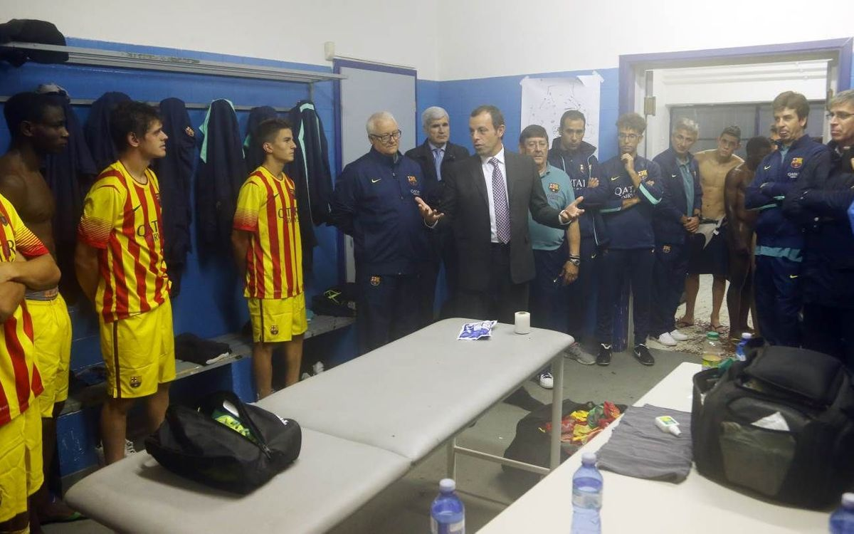 Rosell congratulates the Juvenil A team for their victory over Milan