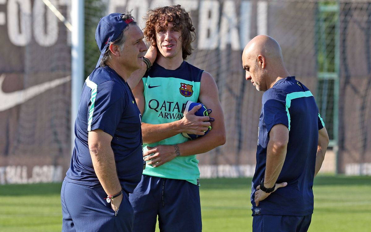 Carles Puyol joins part of training session