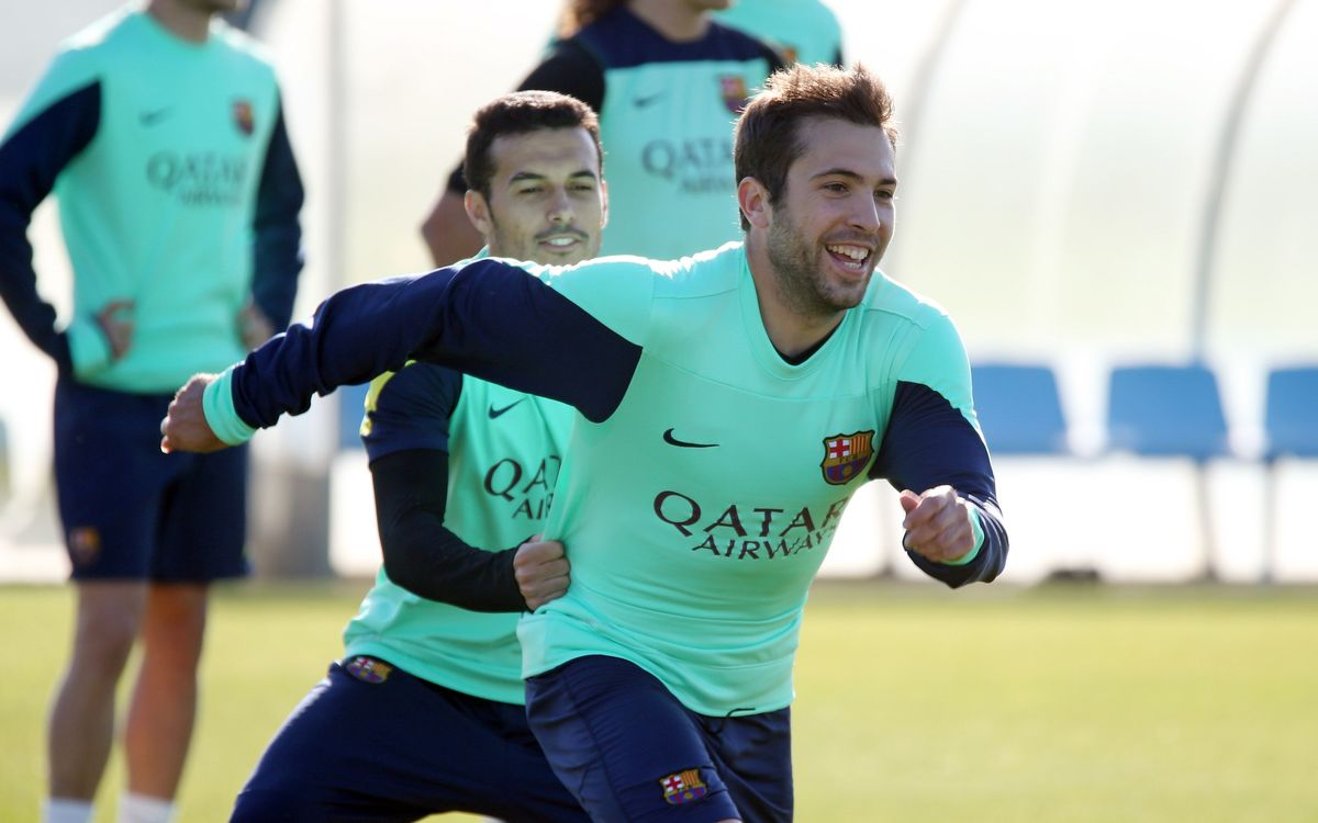 Jordi Alba rejoins the main group in training