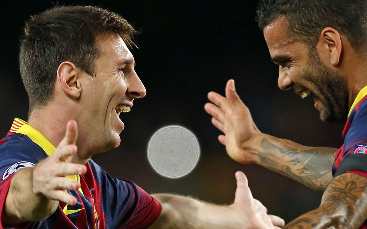 Messi and Alves / PHOTO: ARCHIVE FCB