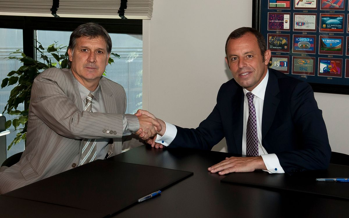 Martino has signed his contract