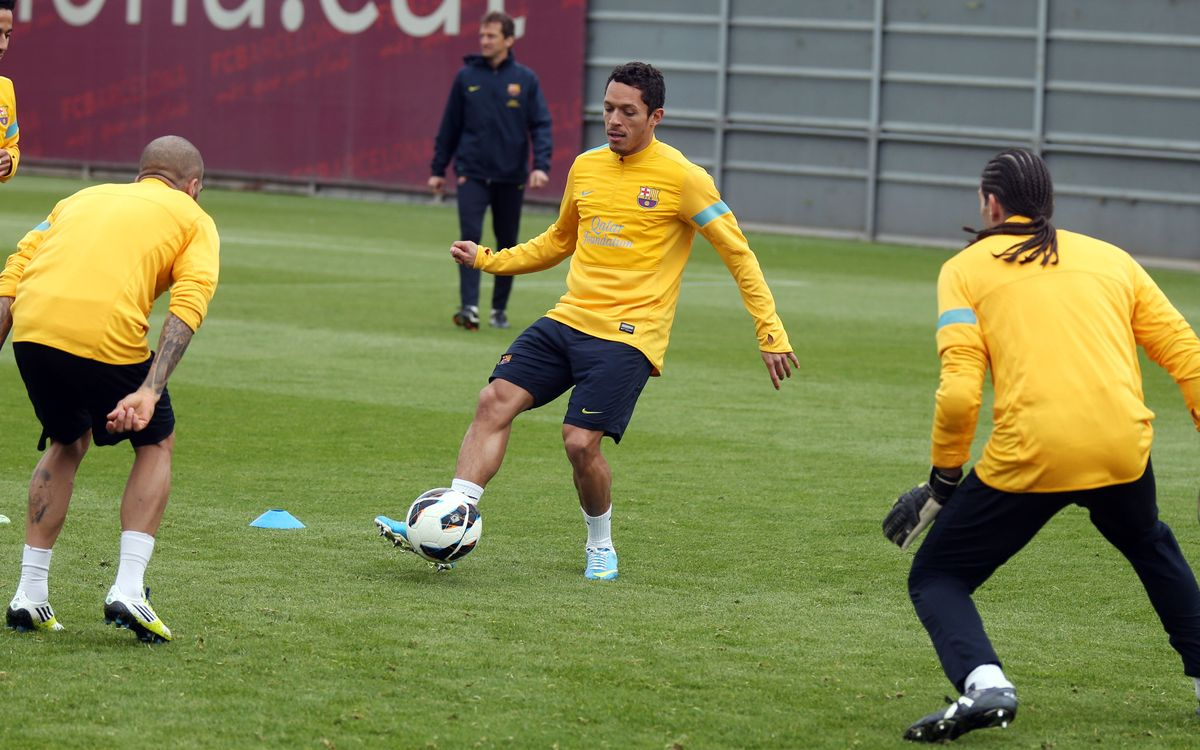 Adriano and Pedro start work with the group
