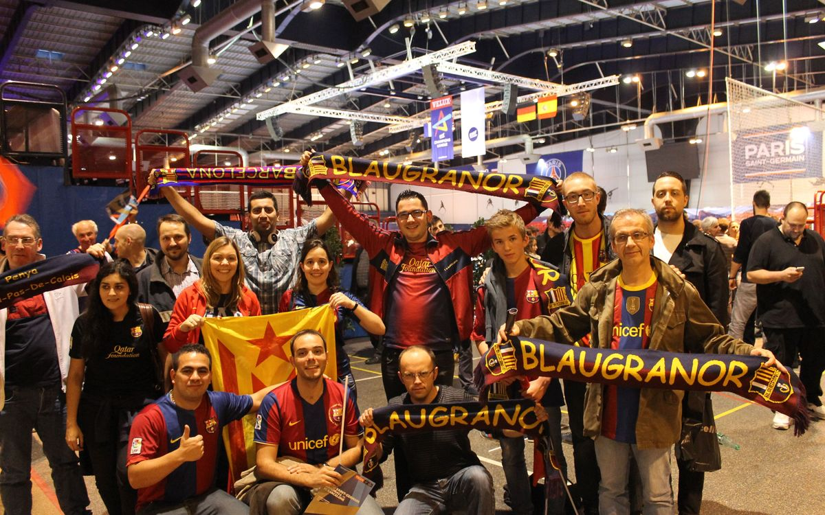 Les penyes franceses, amb el Barça d'handbol a París
